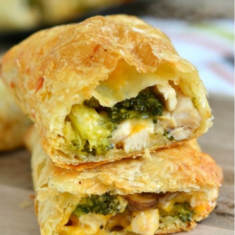 Pastry Puffs With Cheese, Chicken and Broccoli