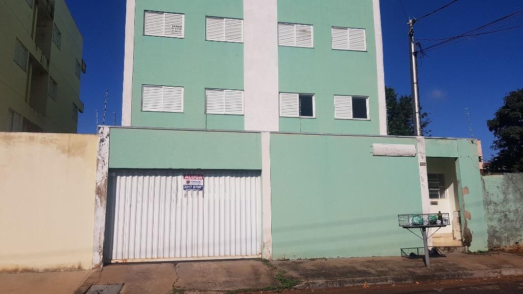 Apartamento com 2 dormitórios à venda, 68 m² por R$ 140.000 - Universitário - Uberaba/MG