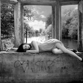 by Stephanie Veronique - Uncategorized All Uncategorized ( resting, girl, b&w, modele, woman, lady, ruins, windows, rest, through windows )