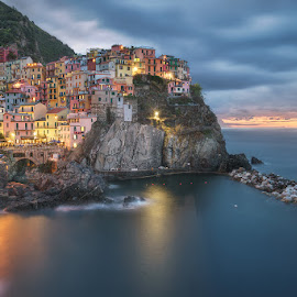 Colorful Houses by Matt Reynolds - City,  Street & Park  Skylines ( cinque terre, vernazza, travel, manarola, italy )