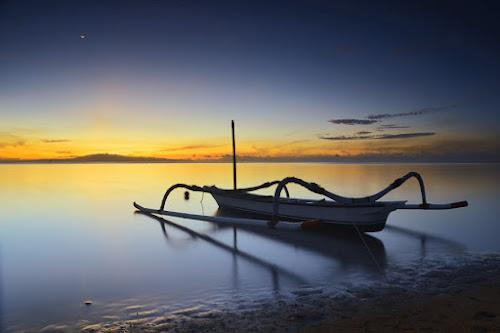 Go To The Moon by Gunk Satria - Transportation Boats