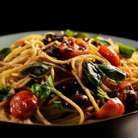 Pasta With Tomatoes, Anchovy And Chillies