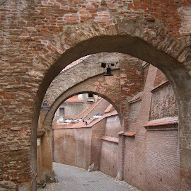 Pasajul scarilor by Liviu Nanu - Buildings & Architecture Other Exteriors ( arches, street, sibiu,  )