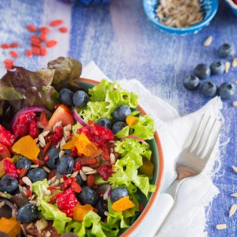 Fresh Blueberry and Pomegranate Salad