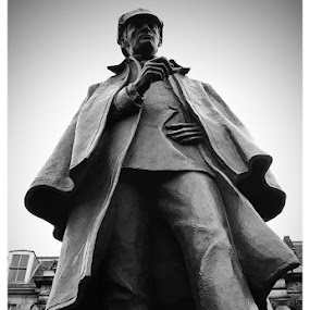 Sherlock by Alistair Forrest - Buildings & Architecture Statues & Monuments ( statue, holmes, edinburgh, black and white, doyle, conan, sherlock, arthur,  )