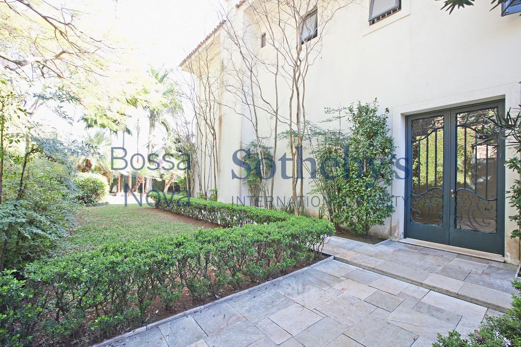 Casa exclusiva no Jardim Guedala