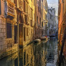 Venezia è sempre Venezia by Carlo Gulin - City,  Street & Park  Street Scenes ( venezia, hdr, venice )