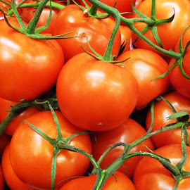 Lusciousness  by Arifah Mardiningrum - Food & Drink Fruits & Vegetables ( red, nature, fresh, healthy eating, tomatoes )