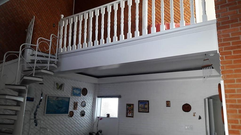 Casa com mezanino  hidro