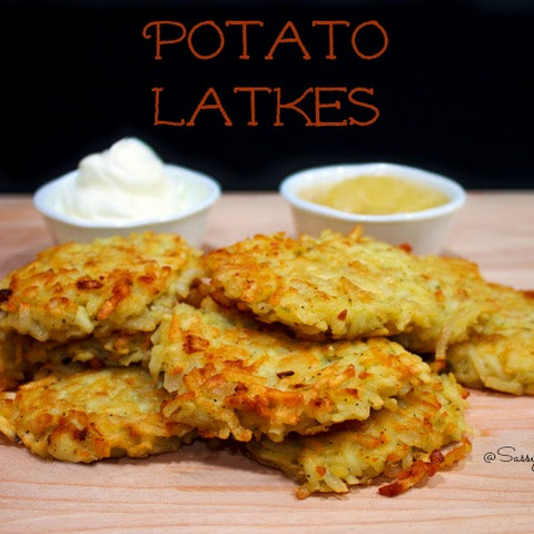 Potato Latkes Recipe – Hashbrowns Deliciously Quick and Easy!