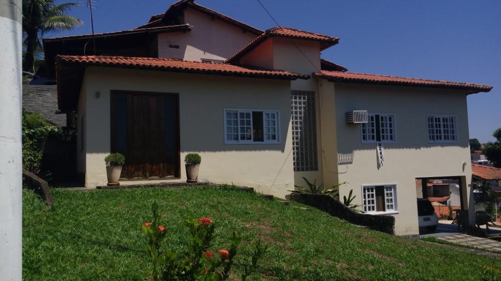 Casa com 4 dormitórios à venda, 250 m² por R$ 750.000 - Badu - Niterói/RJ