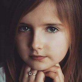Laura by Lucyna Zygmunt - Babies & Children Child Portraits