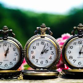 One o'clock - Two o'clock - Three o'clock by D.M. Russ - Artistic Objects Still Life