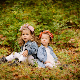 Daria & Selena by Klaudia Klu - Babies & Children Child Portraits