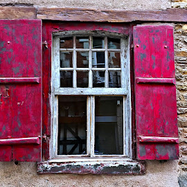 Window by Dobrin Anca - Buildings & Architecture Architectural Detail ( holiday, window, street, brittany, wonderful )