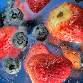 Strawberry & Blueberry Display by Jim Downey - Food & Drink Fruits & Vegetables ( strawberries, blue water, wet, blueberries, droplets )