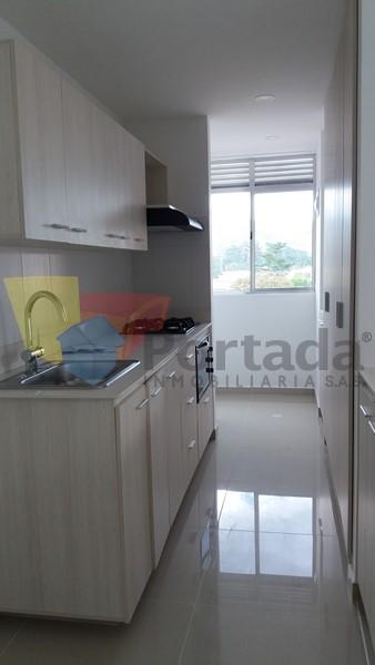 apartamento en arriendo holanda 679-15988