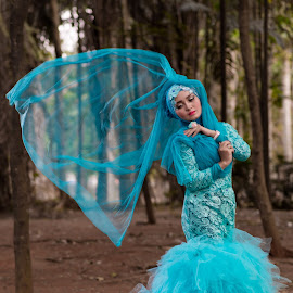 by Eko Probo D Warpani - Wedding Bride ( colour, girls, ethnic, model, color, strobist, wedding, modeling, beautiful, beauty, bridge, cute )