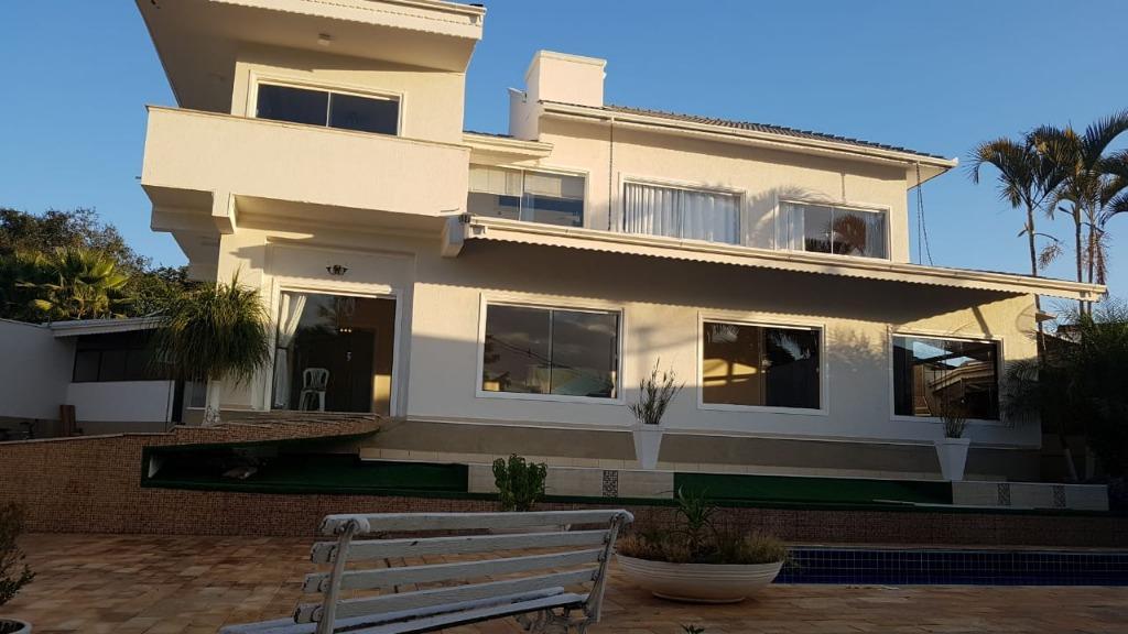 Sobrado Alto Padrão residencial à venda ou permuta, Pouso Alegre.