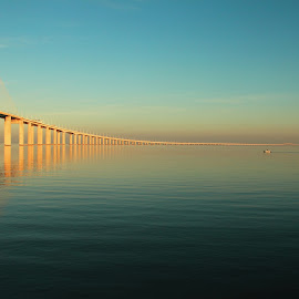 Vasco da Gama Bridge by Hugo Sousa - Landscapes Waterscapes ( tejo, vasco da gama, ponte, tagus, bridge, lisbon, portugal, lisboa )