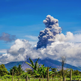 From a distance, it is still visible by Kriswanto Ginting's - Landscapes Mountains & Hills ( volcano, indonesia, nikon d7100, nikon, sinabung )