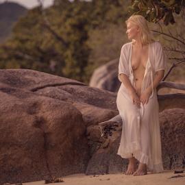 by Dmitry Laudin - Nudes & Boudoir Artistic Nude ( beautiful, woman )