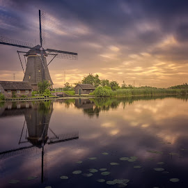 Kinderdijk by Rémon Lourier - City,  Street & Park  Historic Districts ( reflection, kinderdijk, holland, polder, long exposure, sunrise, windmills, windmill )