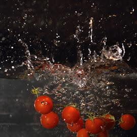radishsplash by Alessandra Antonini - Food & Drink Fruits & Vegetables ( red, radish, water, splash,  )