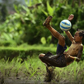 Hands ball by Sabdo Bintoro - Sports & Fitness Soccer/Association football