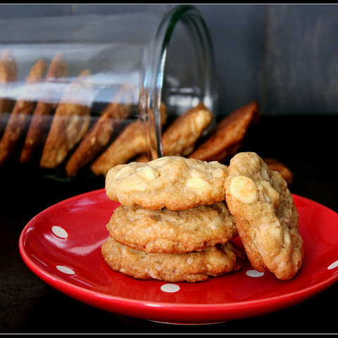 White Chocolate-Macadamia Cookies, plus Christmas Roundup