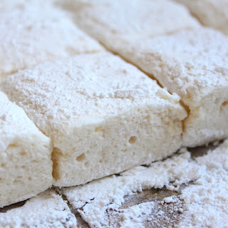 HOMEMADE MARSHMALLOWS (without corn syrup)
