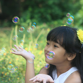 Bubble balloons  by Adianca Ridhani - Babies & Children Child Portraits ( #cute, #girl, # beautiful )