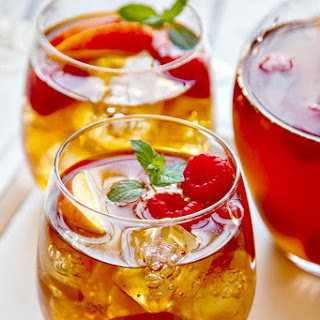 Sweet Tea Sangria {with fresh peaches & raspberries}