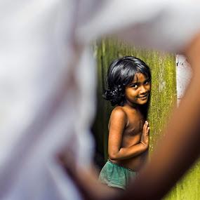 Shy! by Sudharshun Gopalan - People Street & Candids ( gopalan, street, sudharshun, india, candid, shy, photography, chennai )