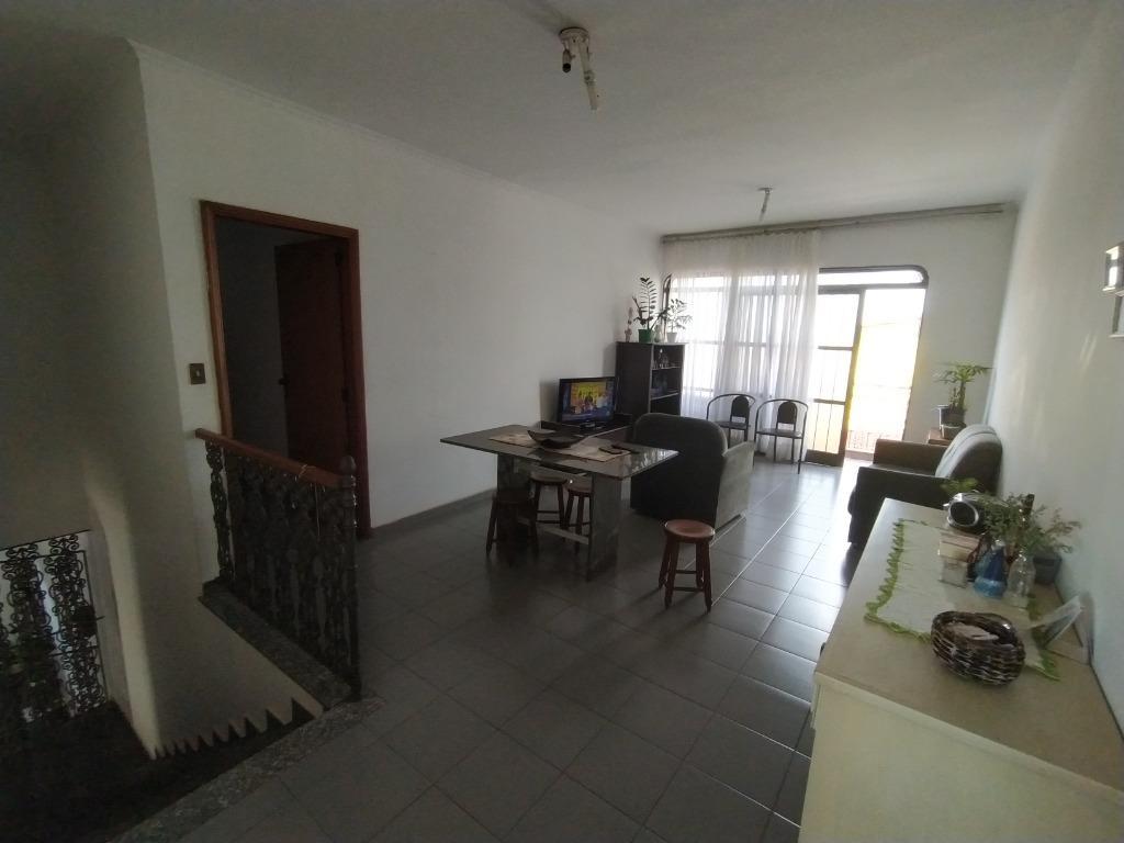 Casa com quartos para Alugar, 251 m²
