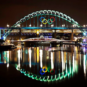 Tyne lights  by Sam Baxter - Landscapes Waterscapes