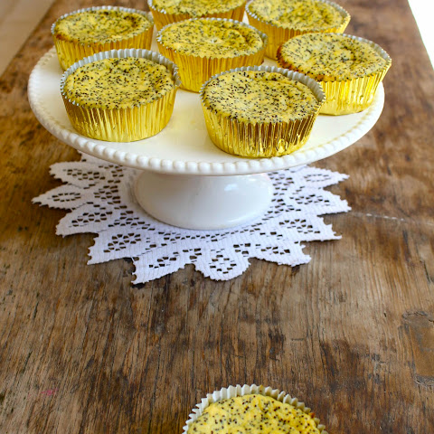 Orange and Poppyseed Ricotta Cupcakes