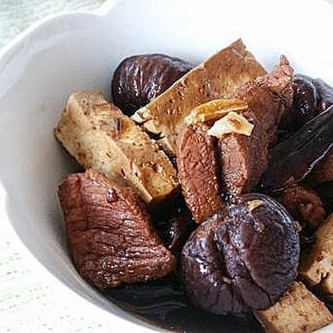 Braised Pork with Dried Whole Chestnut and Tofu