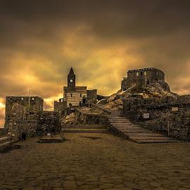 Saint Pierre at Portovenere by Murat Besbudak - Buildings & Architecture Places of Worship