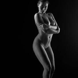lowkey nude by Reto Heiz - Nudes & Boudoir Artistic Nude ( monochrome, nude, nudephotography, nudeart, lowkey )