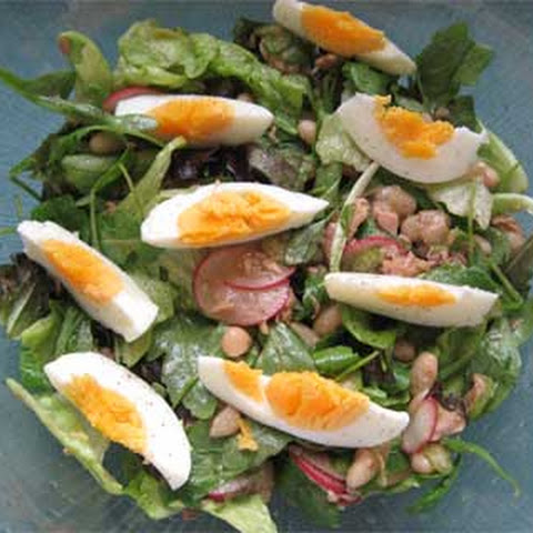Salad with Tuna and White Beans