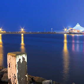 Ancol - Le Bridge by Pudjiyanto Oentoro - Landscapes Beaches ( water, canon, night, beach )