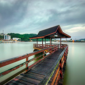 Bandar Seri Begawan TAXI WATER STOP by Mohamad Sa'at Haji Mokim - Landscapes Waterscapes ( water, taxi, wood, bridge, brunei )