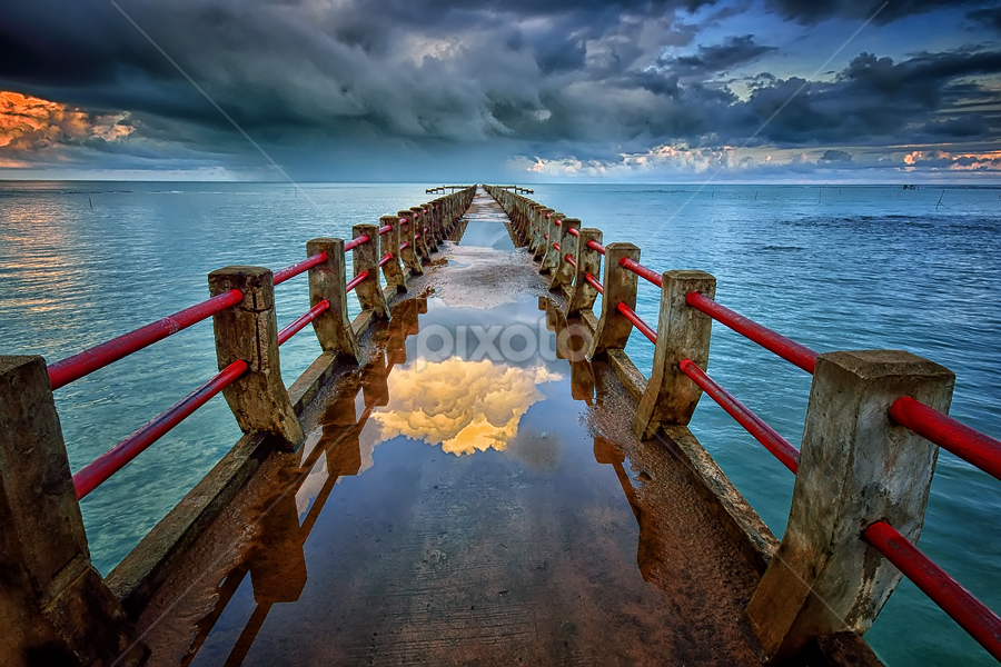 Camar Bulan by Hendri Suhandi - Landscapes Waterscapes ( clouds, bay, weather, pier, beach, bridge, kalimantan, landscape, borneo )