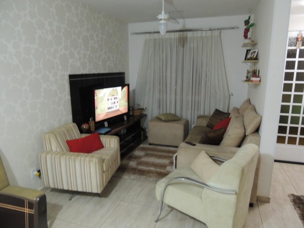Casa com 3 dormitórios à venda por R$ 413.400 - Condomínio Villa Flora - Votorantim/SP