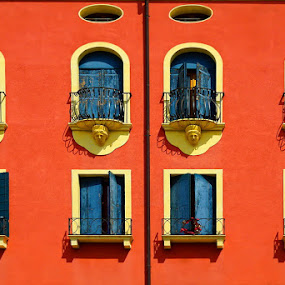 Padua house windows by Zdenka Rosecka - Buildings & Architecture Architectural Detail ( windows padua orange blue statues balcony,  )