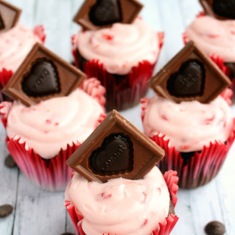 Double Chocolate Strawberry Cupcakes
