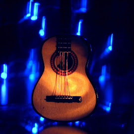 the little guitar by Nicoletta Guyot Bourg - Artistic Objects Musical Instruments