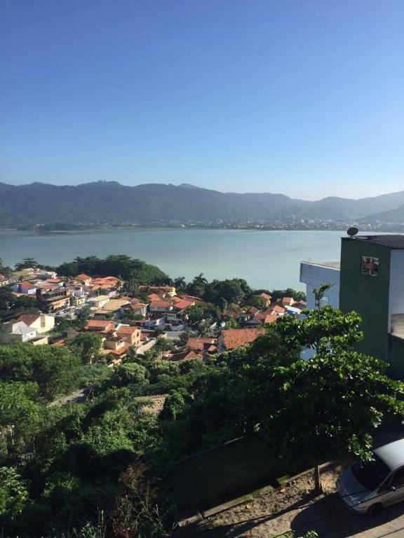 Casa com 4 dormitórios à venda, 330 m² - Piratininga - Niterói/RJ