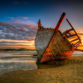 Bunbeg Wreck by Alnor Prieto - Landscapes Sunsets & Sunrises